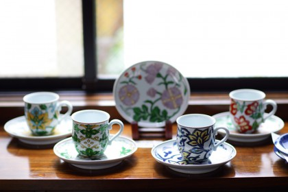 赤絵更紗唐花紋 マグカップ No.1~5・赤絵更紗唐花紋 楕円皿 No.1~5