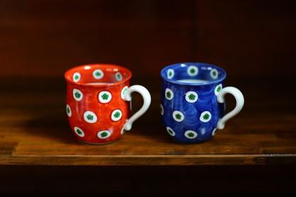 赤絵梅花丸紋濃マグカップ(小)・染錦梅花丸紋濃マグカップ(小)